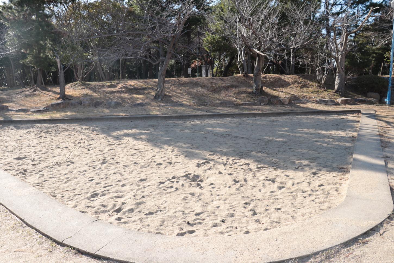 公園南側の砂場